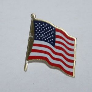 Vintage USA flag pin